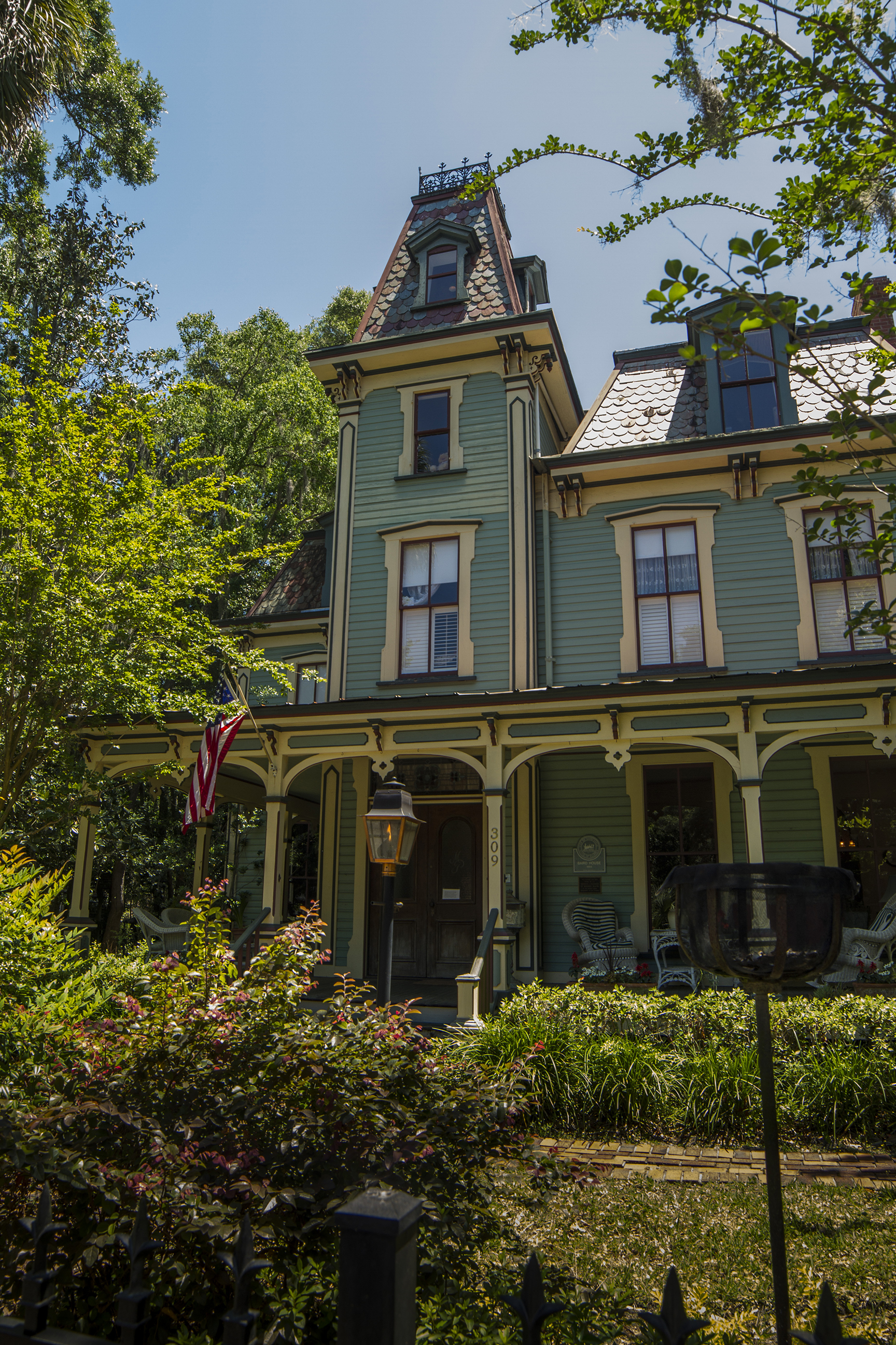Historic homes of gainesville home living in greater for Victorian colonial homes